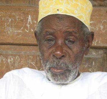 Comores l 39 homme le plus vieux du monde pourrait tre - L homme qui lit le plus vite au monde ...