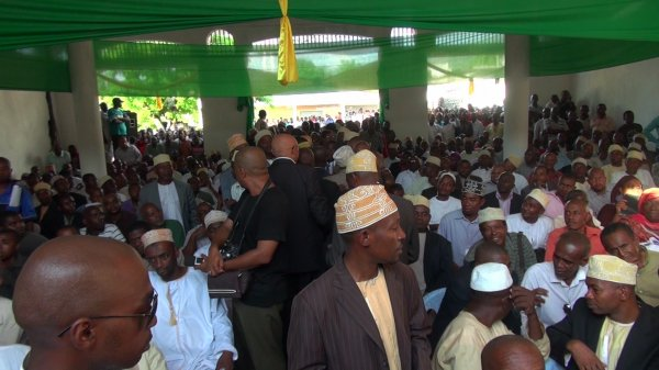 COMORES: plus de 6000 personnes Pour Le Lancement du parti de Sambi, Juwa